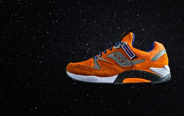 Спортивная обувь SAUCONY на беговых дорожках и в космосе. Фото
